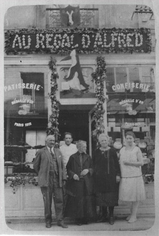"Magasin ""Au Régal d'Alfred"" en 1930"